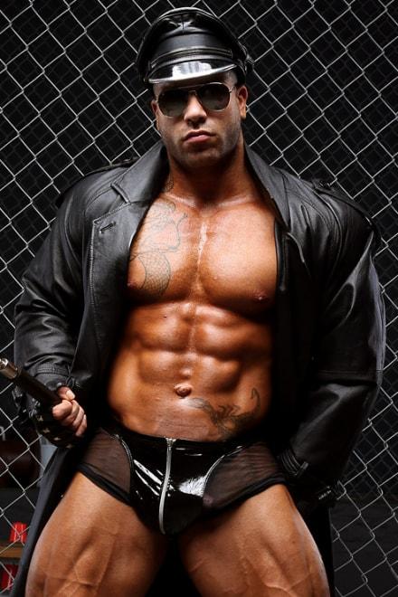 Muscle Huge men gay
